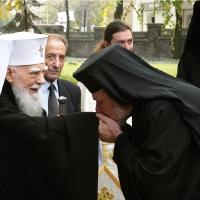 Негово Светейшество преди освещаването на храм Св. Марина